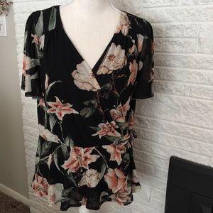 Thalia Sodi floral top